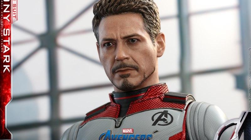 hot toys avengers endgame tony stark team suit -wide shot