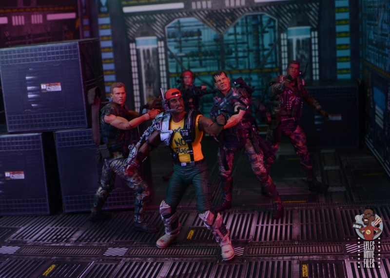 neca aliens sgt apone figure review - apone defending marines retreat