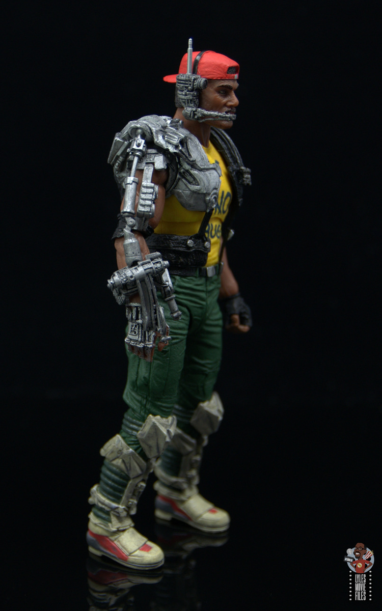 neca aliens sgt apone figure review - full cybernetic arm