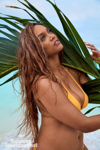 tyra banks sports illustrated 2019 pictorial -moving hair