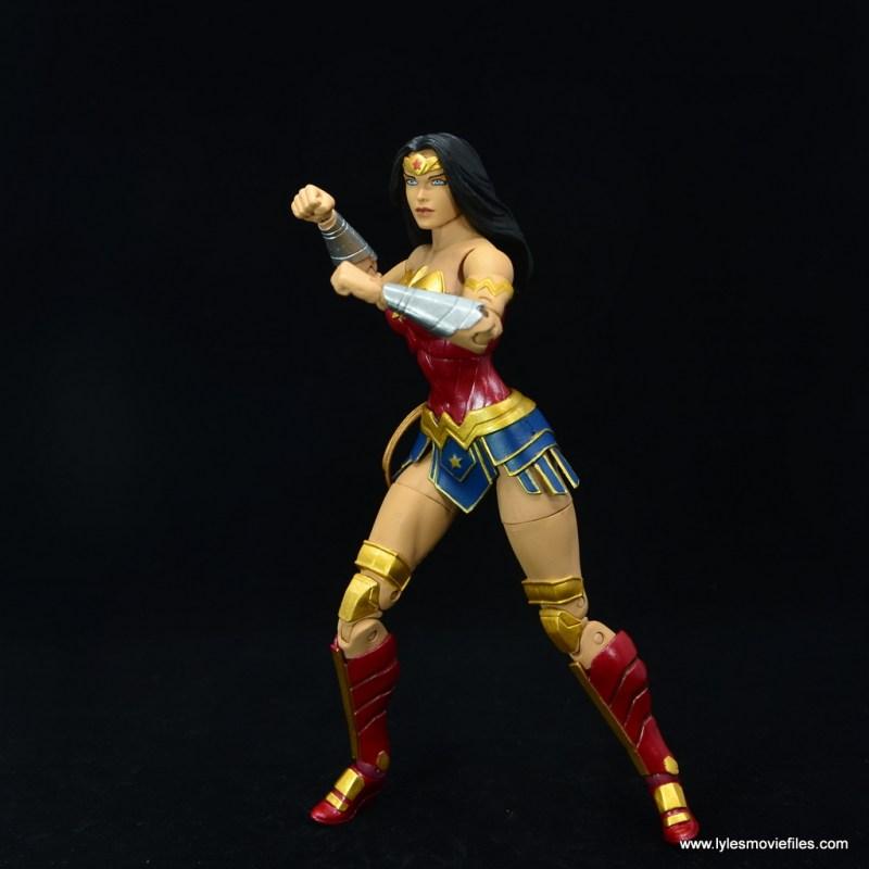 DC Essentials Wonder Woman figure review - pivoting for battle