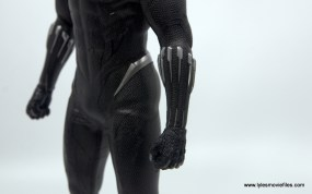 Hot Toys Black Panther figure review - belt and arm detail