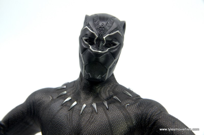 Hot Toys Black Panther figure review - eye mask detail