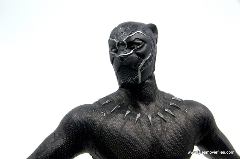 Hot Toys Black Panther figure review - mask detail