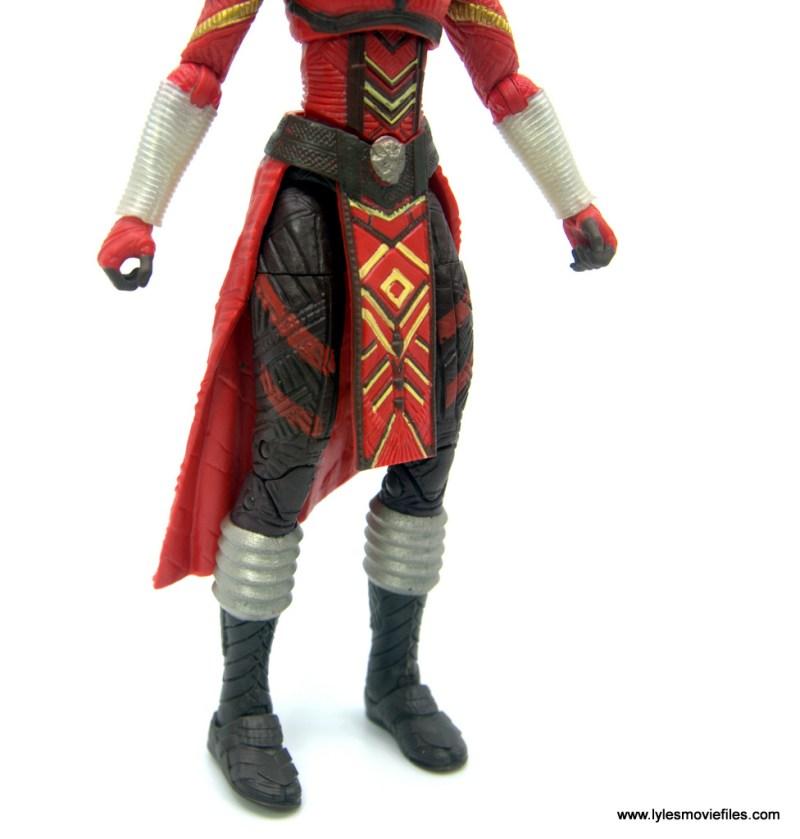 Marvel Legends Dora Milaje figure review - torso and leg detail