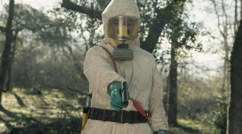 fear the walking dead - the hurt that will happen review - grace in hazmat suit