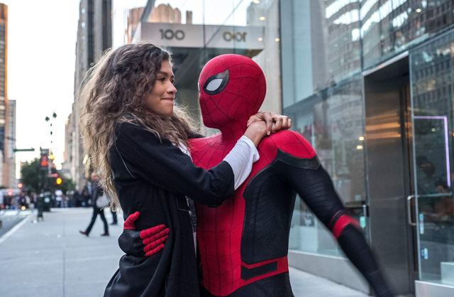 spider-man far from home review - mj and spider-man