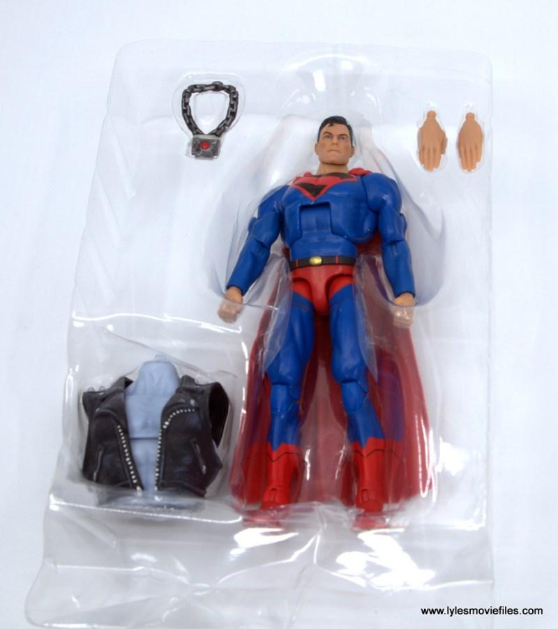 DC Multiverse Kingdom Come Superman figure review -accessories