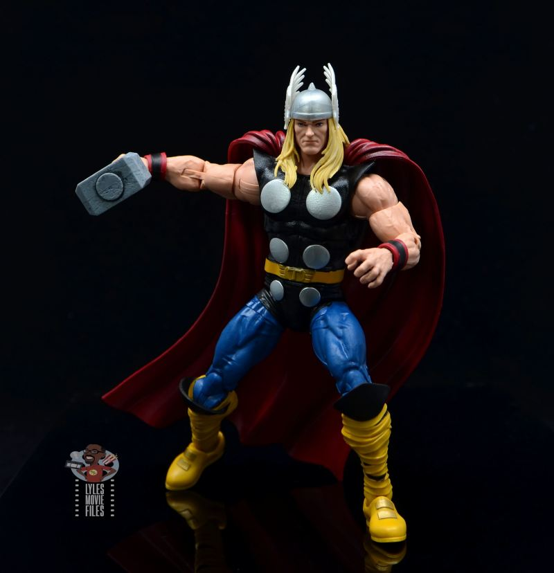Marvel Legends 80th Thor figure review - grabbing mjolnir