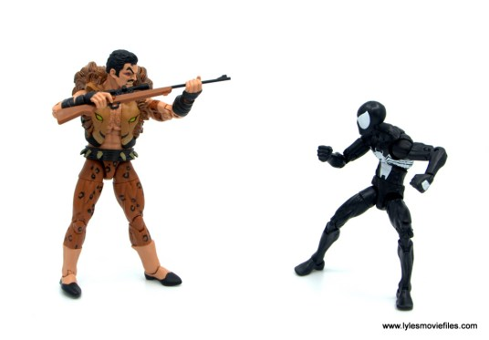 Marvel Legends Kraven and Spider-Man two-pack figure review - kraven aiming rifle