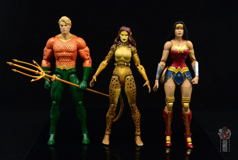 dc essentials cheetah figure review - scale with aquaman and wonder woman