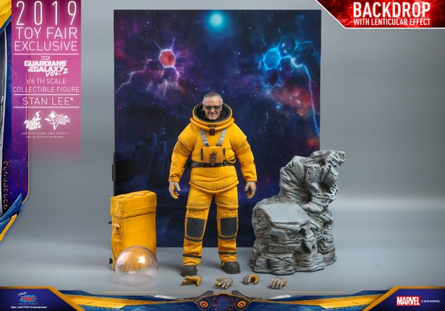 hot toys guardians of the galaxy vol. 2 stan lee figure - display and accessories