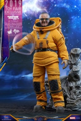 hot toys guardians of the galaxy vol. 2 stan lee figure - full length