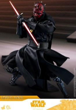 hot toys solo a star wars story darth maul figure - attacking