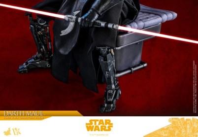hot toys solo a star wars story darth maul figure - leg detail
