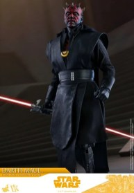 hot toys solo a star wars story darth maul figure - looking down