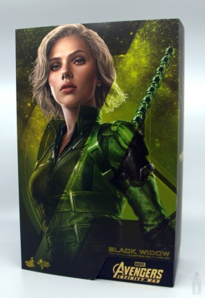 hot toys avengers infinity war black widow figure - package front