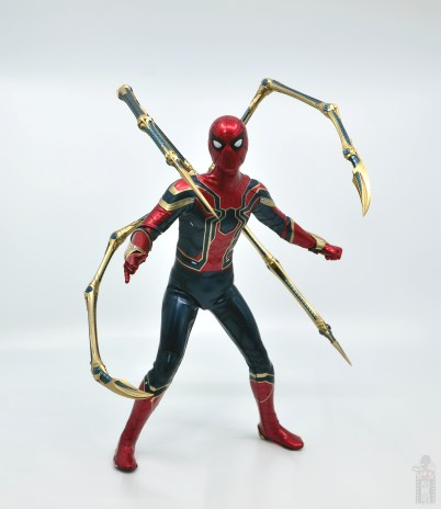 hot toys avengers infinity war iron spider figure review - arm attachments