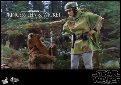 hot toys return of the jedi princess leia and wicket figures - wicket and leia