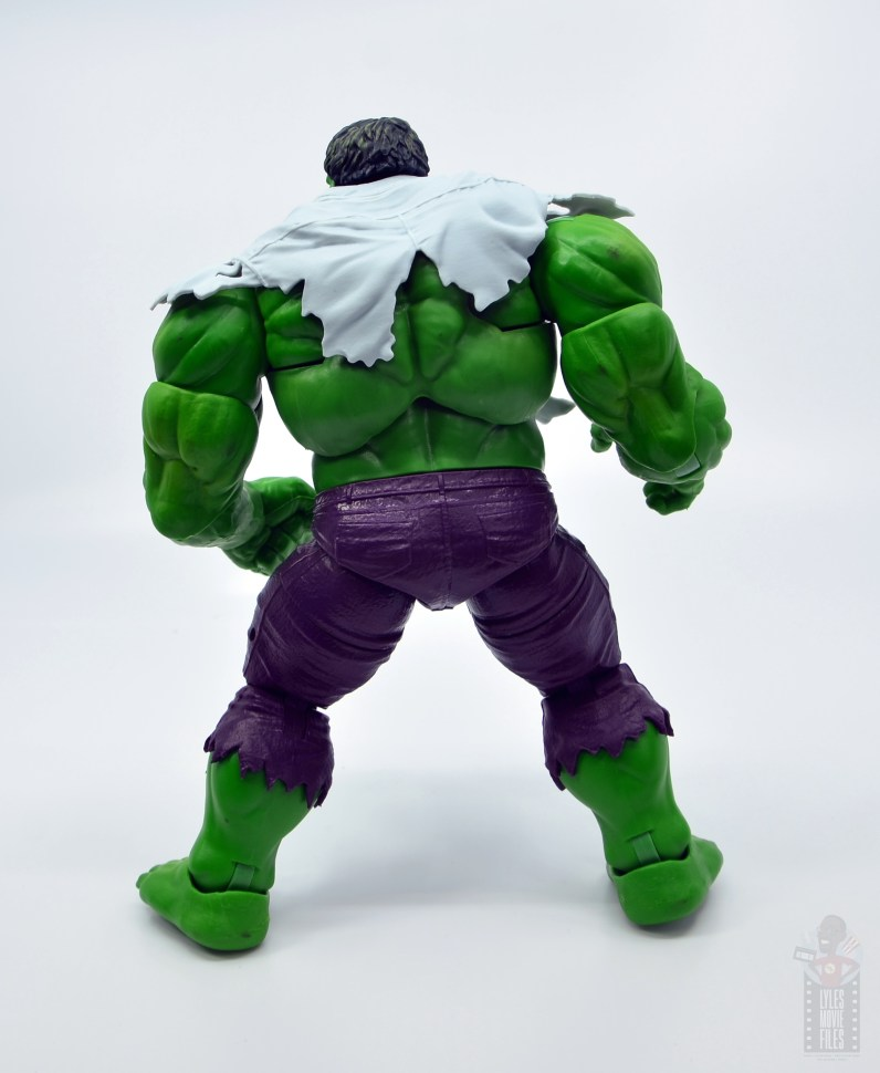 marvel legends hulk vs wolveringe figure review 80th anniversary - hulk with shirt on rear