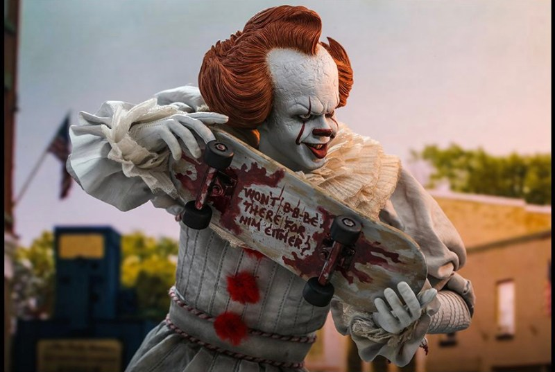 hot Toys it Chapter Two pennywise figure - holding skateboard
