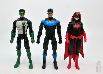 dc multiverse nightwing figure review - scale with kyle rayner and batwoman