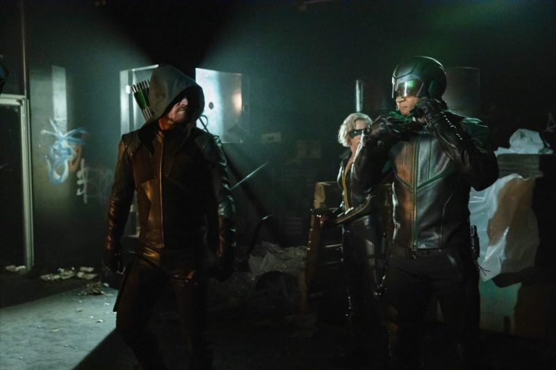 arrow starling city review -green arrow, black siren and spartan