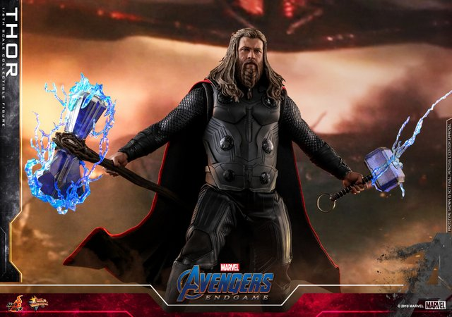 hot toys avengers endgame thor figure -with lit up stormbreaker and mjolnir