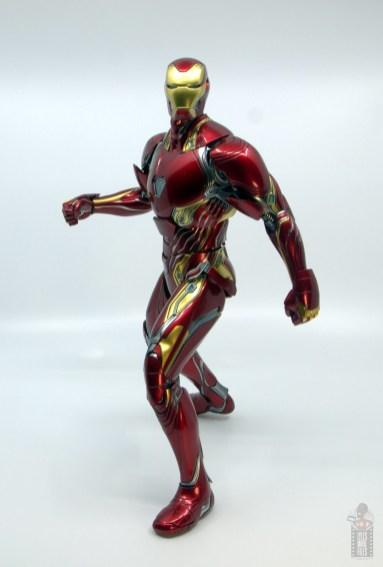 hot toys avengers infinity war iron man figure review - pivoting
