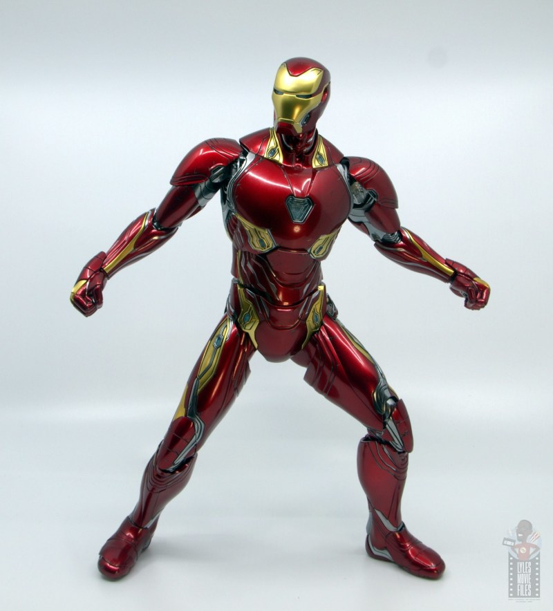 hot toys avengers infinity war iron man figure review - wide stance