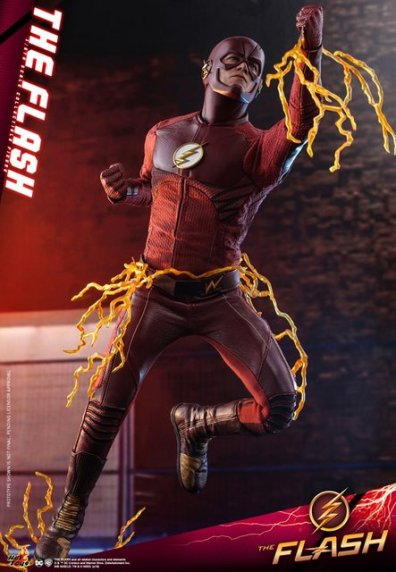 hot toys cw the flash figure - punching up