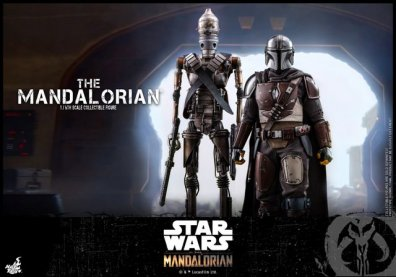 hot toys the mandalorian figure - walking in with ig-11
