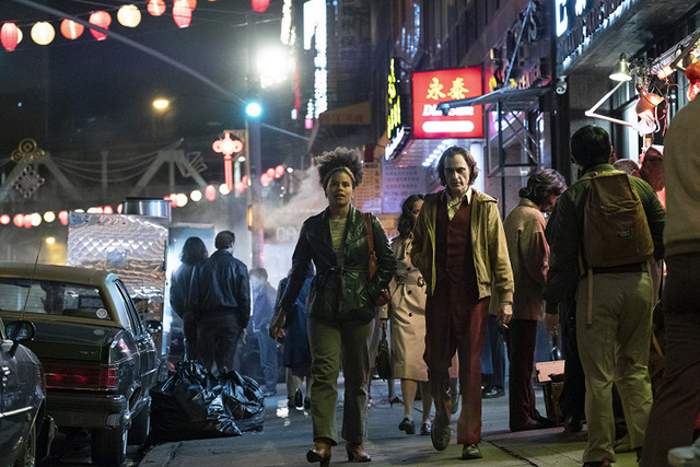 joker movie review - zazie beetz and joaquin phoenix