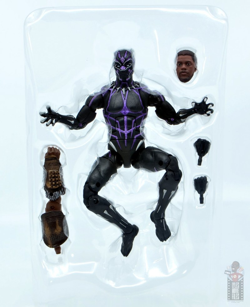 marvel legends black panther vibranium effect figure review - accessories in tray