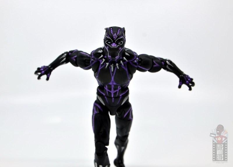 marvel legends black panther vibranium effect figure review - charging