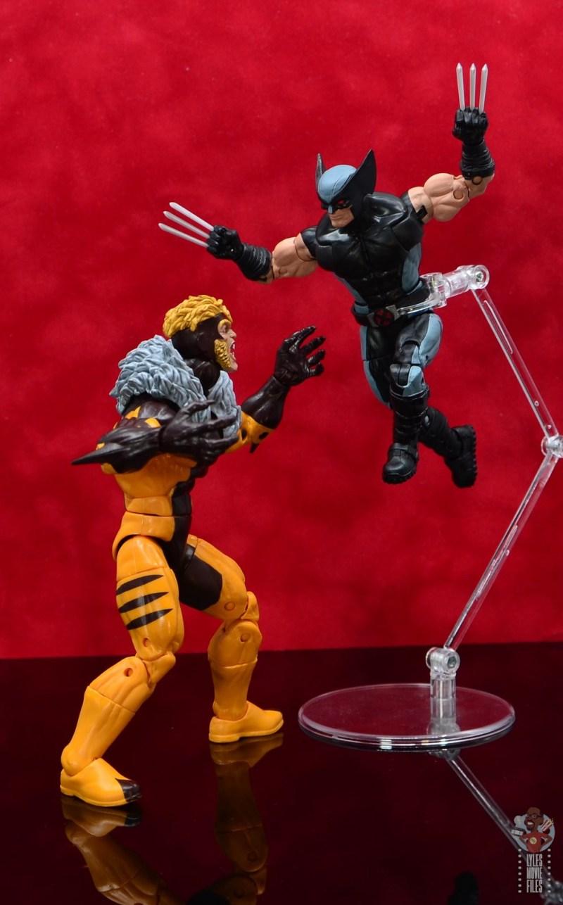 marvel legends x-force wolverine figure review - vs sabretooth