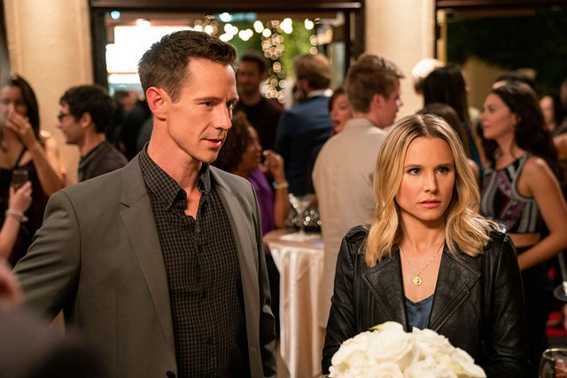 veronica mars the complete first season 2019 review -logan and veronica