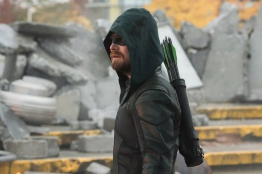 crisis on infinite earths official pics - green arrow