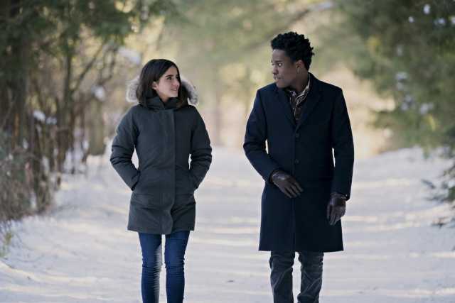 let it snow movie review - isabela merced and shameik moore
