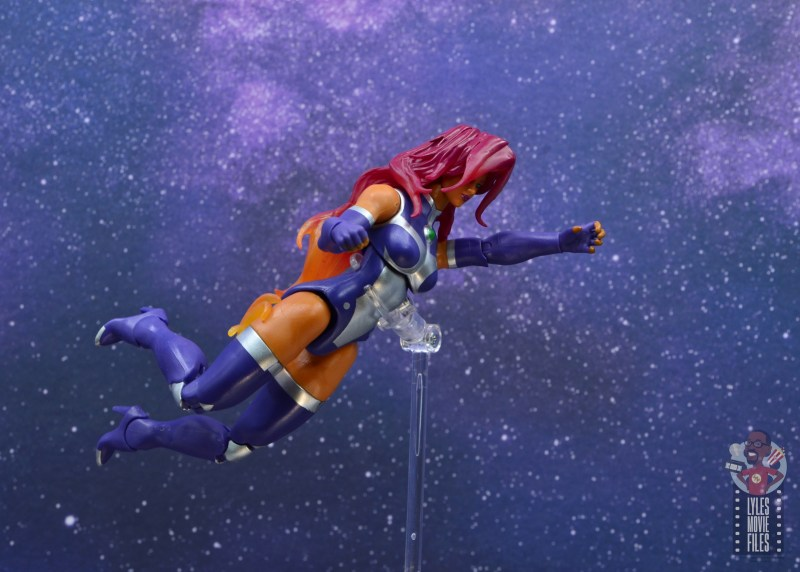 dc multiverse starfire figure review - range of flying motion