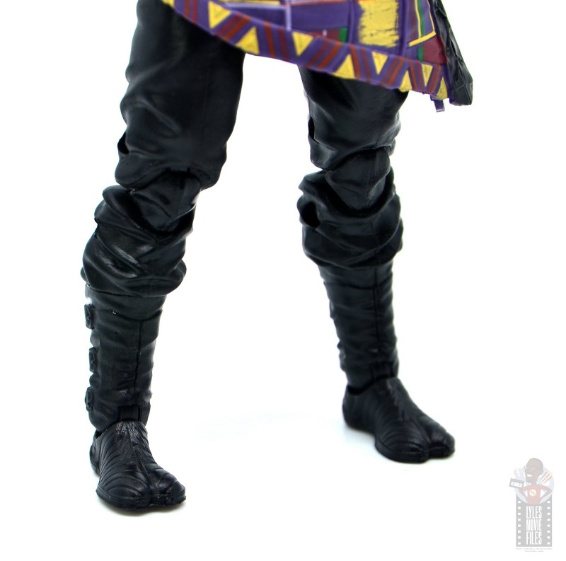 marvel legends black panther t'chaka figure review - boot detail
