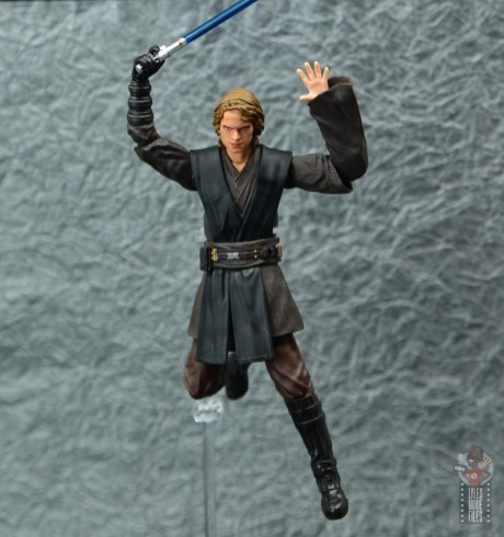 sh figuarts anakin skywalker revenge of the sith figure review -leaping with lightsaber