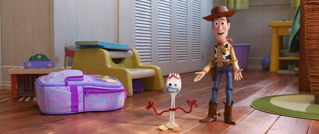 toy story 4 review - forky and woody