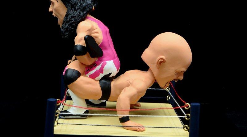 wrestlemania 13 bret hart vs steve austin bobblehead set review -main pic