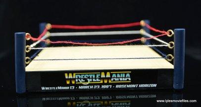 wrestlemania 13 bret hart vs steve austin bobblehead set review - ring front