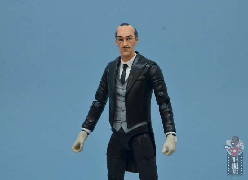 dc multiverse alfred figure review - wide shot