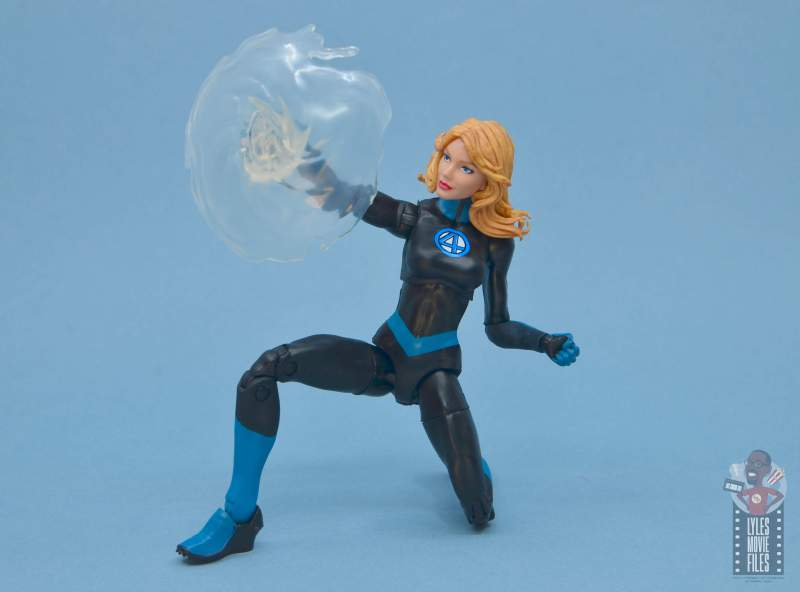 marvel legends invisible woman figure review - creating invisible shield
