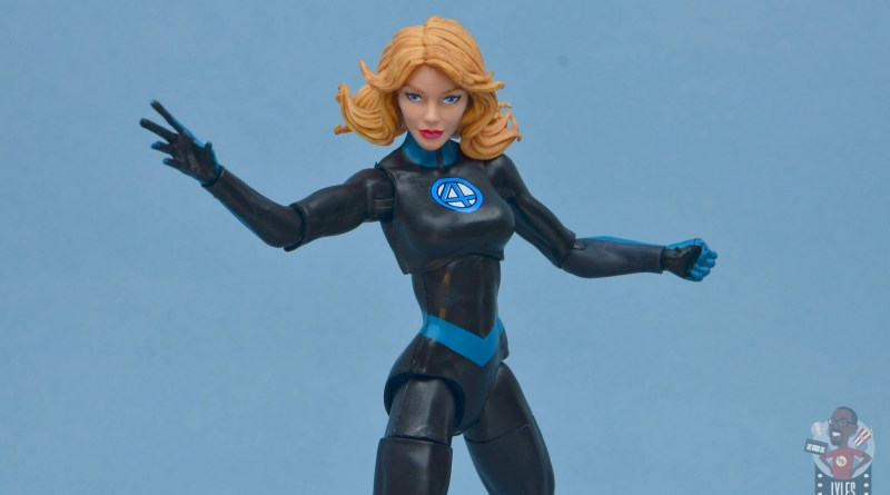marvel legends invisible woman figure review -main pic