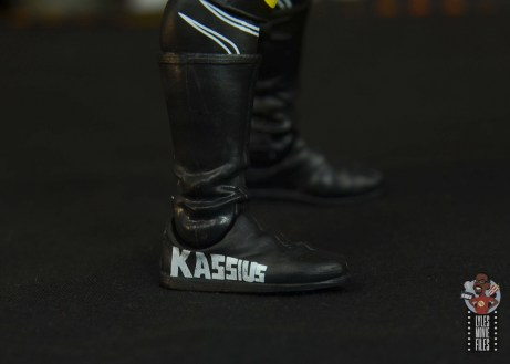 wwe elite 70 kassius ohno figure review - boot detail right side