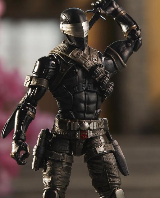 G.I. Joe Classified Series Snake Eyes Deluxe Action Figure - sculpt detail